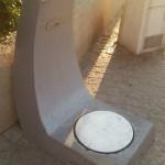 ビーチにある謎のマシン。テルアビブの人々は「あったあった!」みたいな感じで次々乗っかってましたが、体重計?