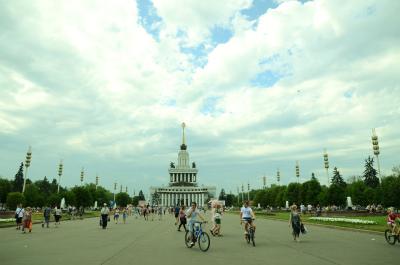 モスクワの人たちの憩いの場だというボタニック・ガーデン。